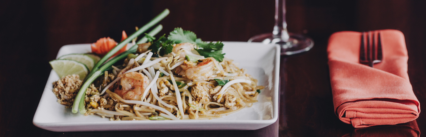Entree-Shrimp-Pad-Thai-at-Soberfish-Restaurant